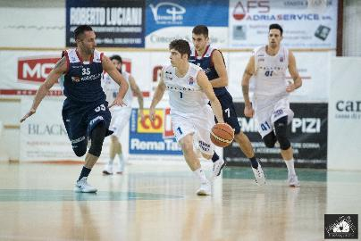 https://www.basketmarche.it/immagini_articoli/04-01-2018/serie-b-nazionale-il-porto-sant-elpidio-basket-atteso-dalla-trasferta-di-ortona-270.jpg