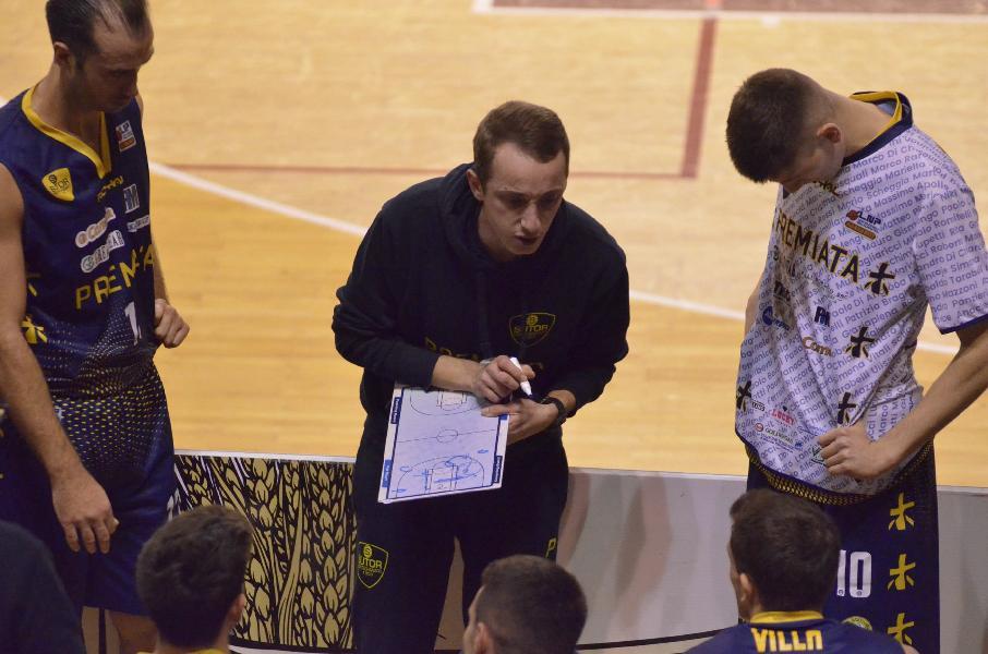 https://www.basketmarche.it/immagini_articoli/04-01-2020/sutor-montegranaro-coach-ciarpella-cento-corazzata-dovremo-giocare-massima-intensit-lucidit-600.jpg