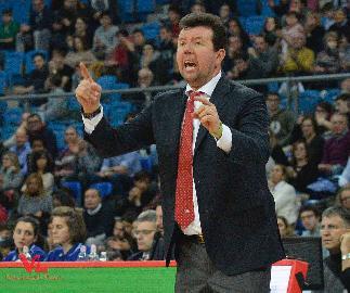 https://www.basketmarche.it/immagini_articoli/04-02-2018/serie-a-l-analisi-di-coach-leka-dopo-la-sconfitta-della-vuelle-pesaro-a-bologna-270.jpg