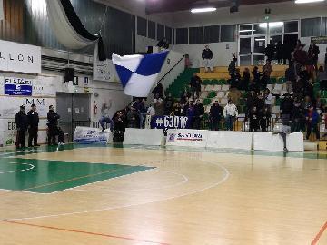 https://www.basketmarche.it/immagini_articoli/04-02-2018/serie-b-nazionale-il-porto-sant-elpidio-basket-doma-l-amatori-pescara-270.jpg