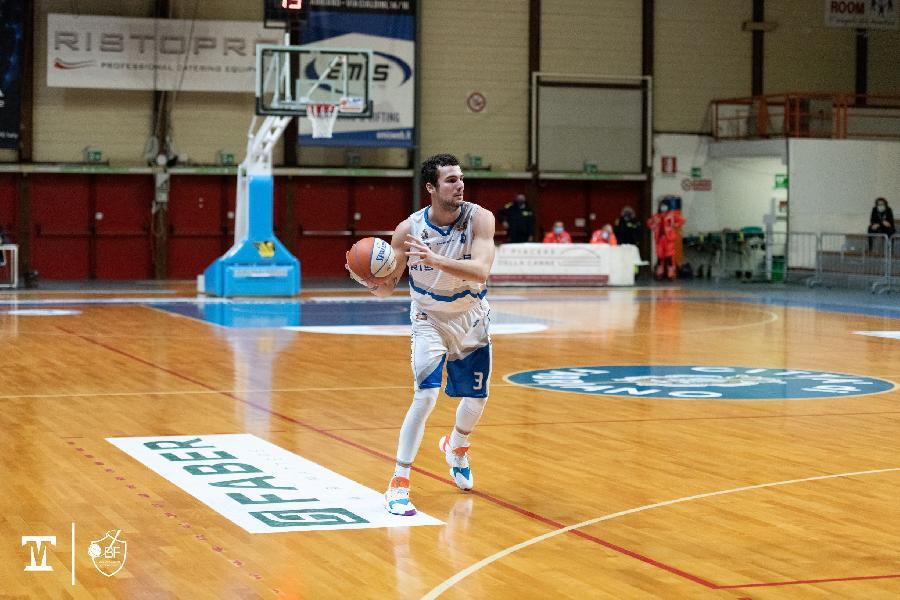 https://www.basketmarche.it/immagini_articoli/04-02-2021/janus-francesco-papa-teramo-bella-vittoria-avrei-preferito-successo-netto-600.jpg