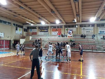 https://www.basketmarche.it/immagini_articoli/04-03-2018/d-regionale-brutta-sconfitta-interna-per-il-marotta-basket-contro-la-virtus-jesi-270.jpg