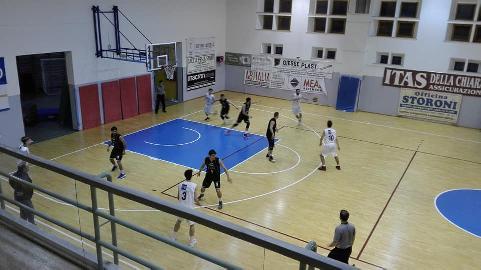 https://www.basketmarche.it/immagini_articoli/04-03-2018/d-regionale-il-basket-giovane-pesaro-continua-a-scalare-la-classifica-270.jpg