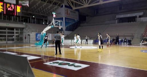 https://www.basketmarche.it/immagini_articoli/04-03-2018/d-regionale-il-cab-stamura-ancona-si-conferma-seconda-forza-del-campionato-270.jpg