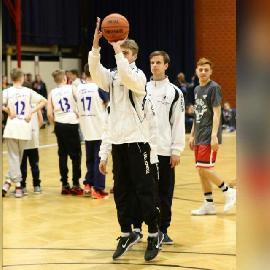 https://www.basketmarche.it/immagini_articoli/04-04-2018/giovanili-prosegue-la-crescita-degli-atleti-della-robur-family-osimo-270.jpg
