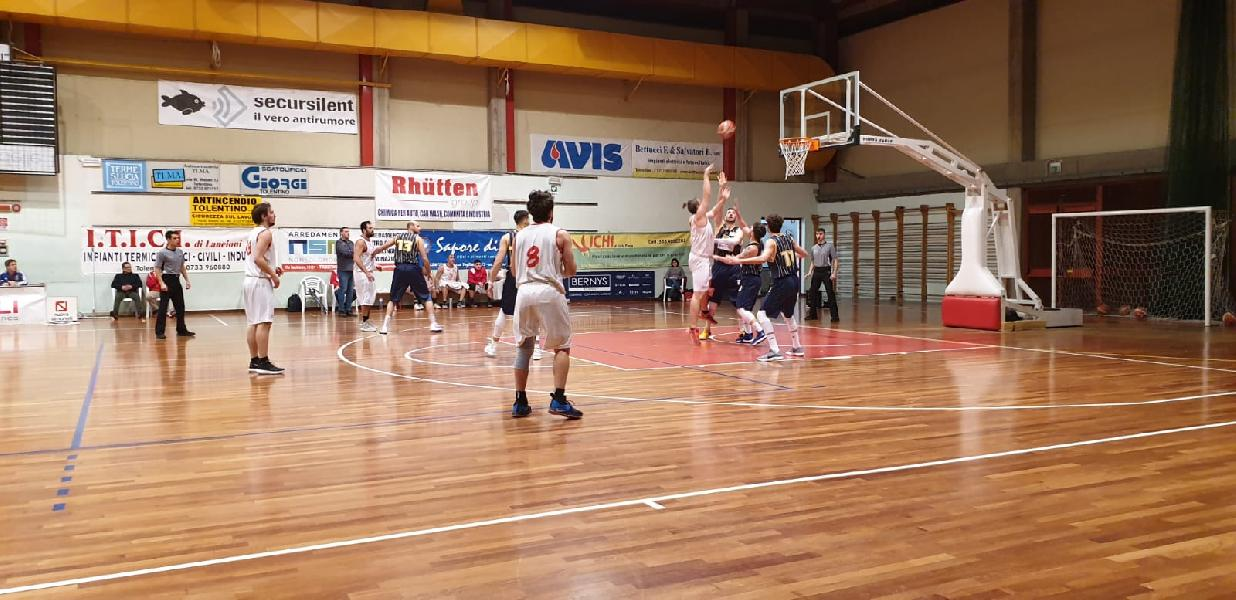 https://www.basketmarche.it/immagini_articoli/04-04-2019/silver-playoff-preview-olimpia-mosciano-basket-tolentino-statistiche-parole-allenatori-600.jpg