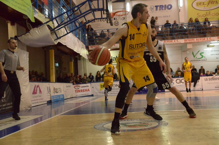 https://www.basketmarche.it/immagini_articoli/04-04-2019/sutor-montegranaro-alessio-valentini-faremo-tutto-battere-matelica-dare-gioia-tifosi-600.jpg