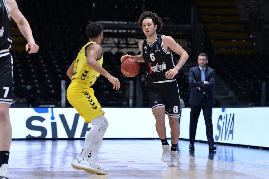 https://www.basketmarche.it/immagini_articoli/04-04-2021/prova-forza-virtus-bologna-sassari-parole-coach-djordjevic-alessandro-pajola-600.jpg