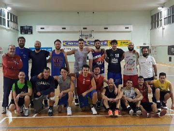 https://www.basketmarche.it/immagini_articoli/04-05-2018/coppa-canestro-di-legno-l-olimpia-pesaro-supera-il-basket-fanum-270.jpg