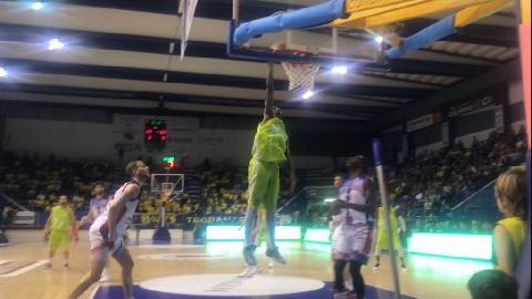 https://www.basketmarche.it/immagini_articoli/04-05-2018/serie-a2-gara-3-biella-china-la-testa-gara-3-è-della-poderosa-montegranaro-270.jpg