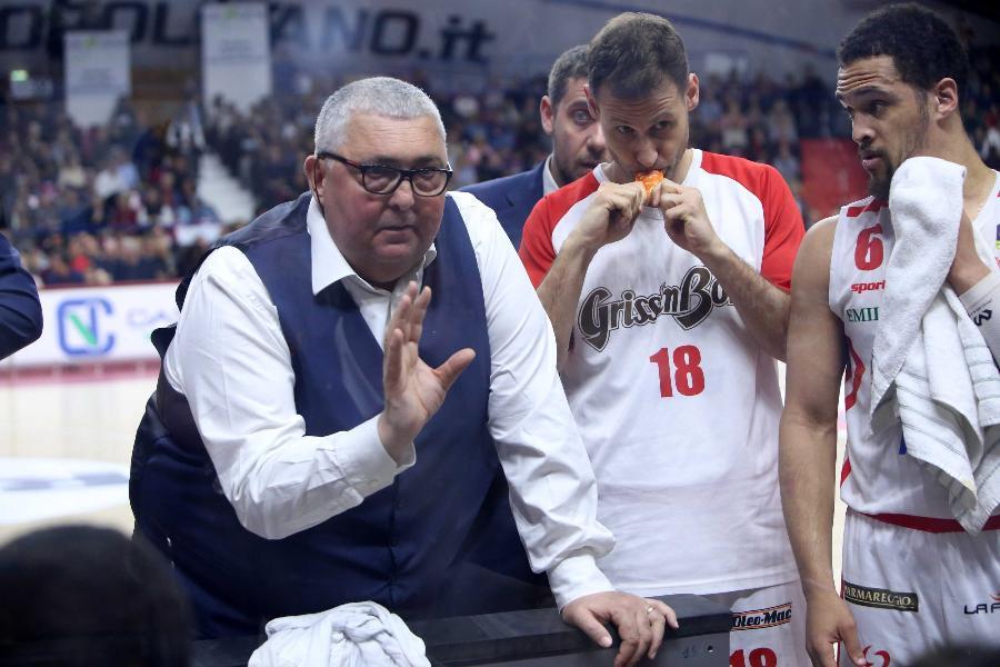 https://www.basketmarche.it/immagini_articoli/04-05-2019/pallacanestro-reggiana-coach-pillastrini-soffrire-vogliamo-conquistare-salvezza-600.jpg