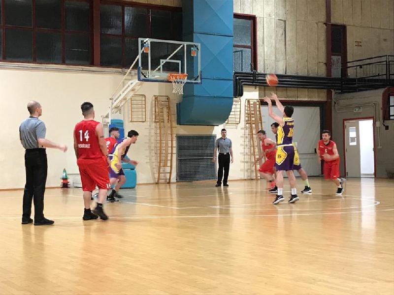 https://www.basketmarche.it/immagini_articoli/04-05-2019/promozione-playoff-gara-morrovalle-sbanca-ascoli-successi-interni-dinamis-lupo-picchio-600.jpg