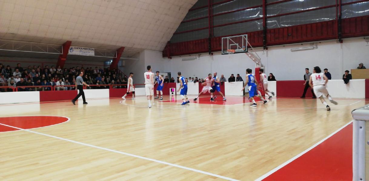 https://www.basketmarche.it/immagini_articoli/04-05-2019/regionale-playoff-domina-fattore-campo-quattro-vittorie-interne-gara-600.jpg