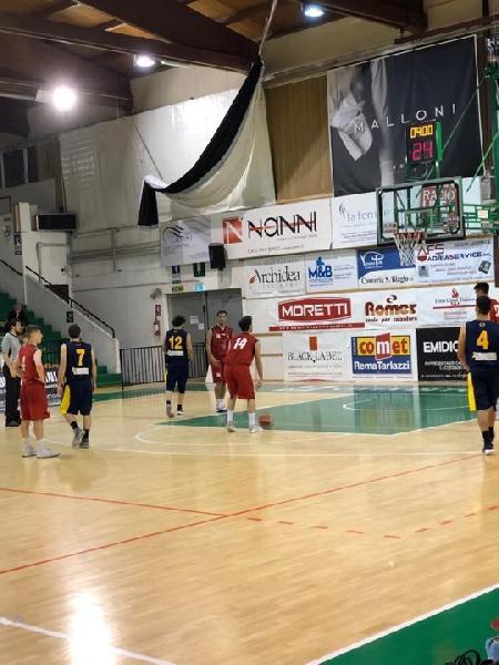 https://www.basketmarche.it/immagini_articoli/04-05-2019/regionale-playout-gara-partenza-positiva-sporting-porto-sant-elpidio-600.jpg