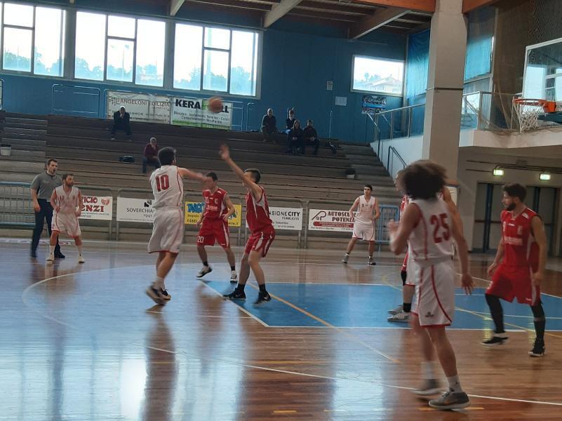 https://www.basketmarche.it/immagini_articoli/04-05-2019/regionale-playout-live-gara-risultati-gare-sabato-tempo-reale-600.jpg