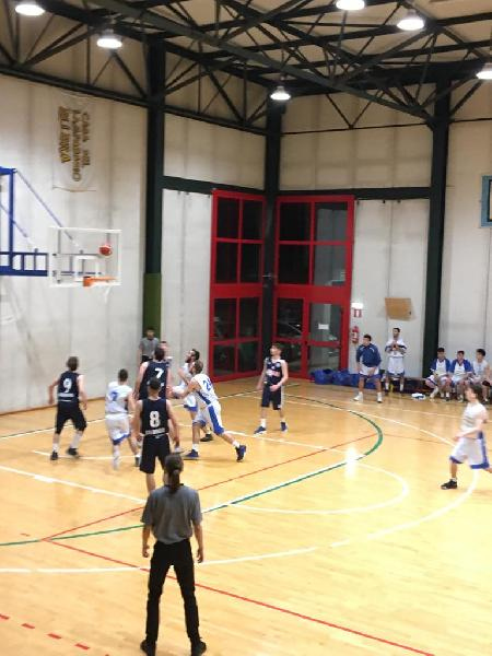 https://www.basketmarche.it/immagini_articoli/04-05-2019/regionale-umbria-playoff-gara-sorride-spello-ellera-600.jpg