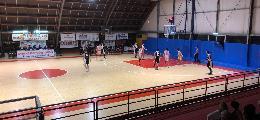 https://www.basketmarche.it/immagini_articoli/04-05-2019/serie-gold-playout-gara-isernia-basket-espugna-pesaro-conquista-salvezza-120.jpg