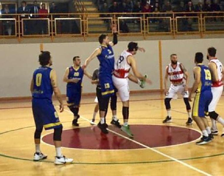 https://www.basketmarche.it/immagini_articoli/04-05-2019/silver-playoff-netta-vittoria-virtus-assisi-airino-basket-termoli-600.jpg