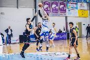 https://www.basketmarche.it/immagini_articoli/04-05-2021/janus-fabriano-vince-recupero-tramarossa-vicenza-ipoteca-posto-finale-120.jpg