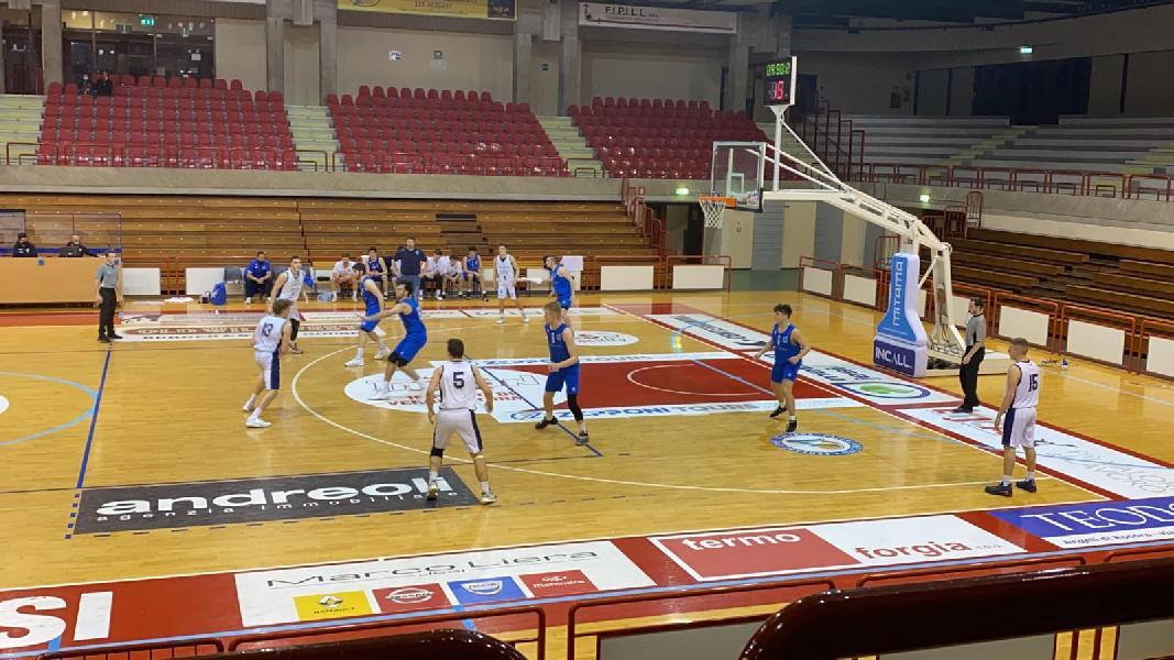 https://www.basketmarche.it/immagini_articoli/04-05-2021/under-gold-aurora-jesi-derby-janus-fabriano-600.jpg