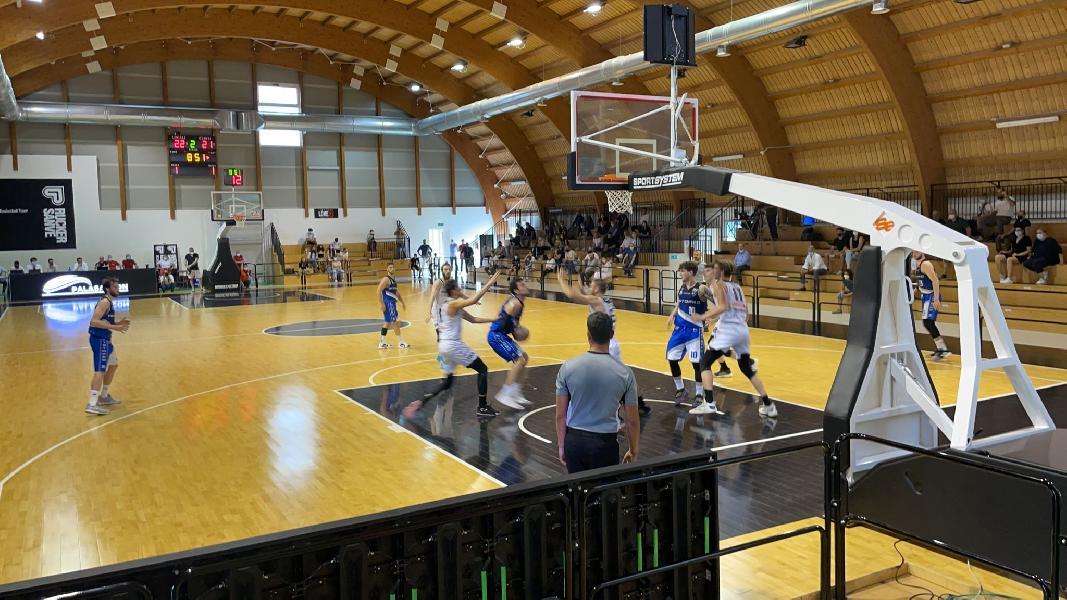 https://www.basketmarche.it/immagini_articoli/04-06-2021/playoff-janus-fabriano-sbanca-vendemiano-riapre-serie-radonjic-monumentale-600.jpg