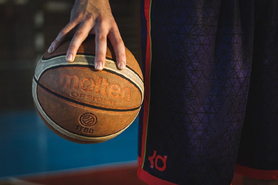 https://www.basketmarche.it/immagini_articoli/04-06-2021/serie-riuscir-virtus-bologna-fermare-olimpia-milano-600.jpg