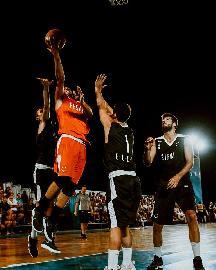 https://www.basketmarche.it/immagini_articoli/04-08-2018/elev8-basket-city-kings-torino-trieste-e-milano-pesaro-sono-le-due-semifinali-270.jpg
