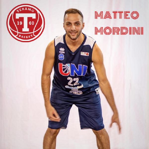 https://www.basketmarche.it/immagini_articoli/04-08-2019/ufficiale-matteo-mordini-giocatore-teramo-basket-600.png