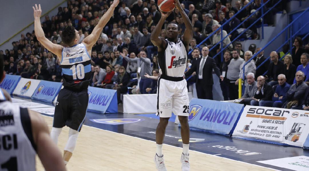 https://www.basketmarche.it/immagini_articoli/04-08-2020/ufficiale-david-reginald-cournooh-giocatore-vanoli-cremona-600.jpg