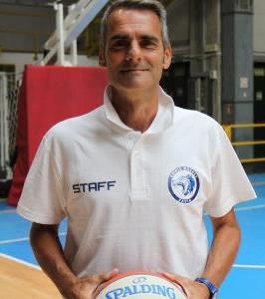 https://www.basketmarche.it/immagini_articoli/04-08-2021/sutor-montegranaro-panchina-interesse-concreto-coach-massimiliano-baldiraghi-600.jpg