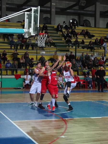 https://www.basketmarche.it/immagini_articoli/04-09-2018/serie-silver-acquisti-conferme-roster-completo-squadre-girone-abruzzo-marche-aggiornamento-600.jpg