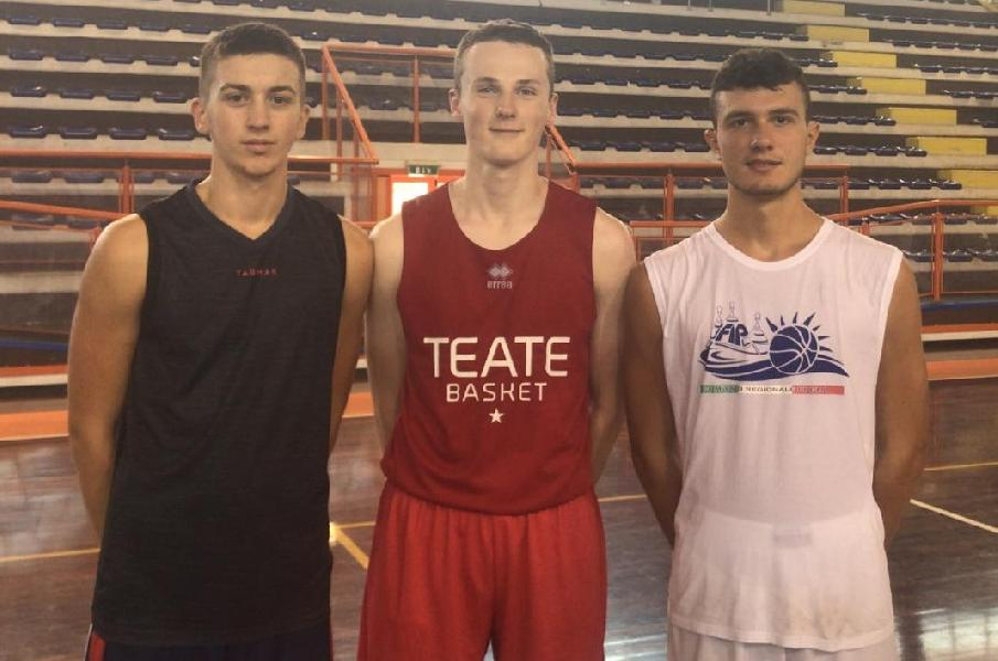 https://www.basketmarche.it/immagini_articoli/04-09-2019/pescara-basket-bantsevich-pavicevic-ianni-prova-under-600.jpg