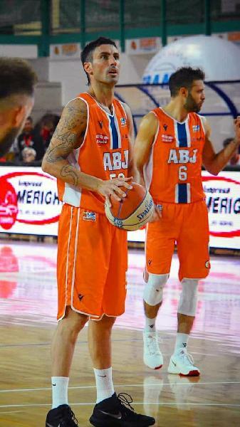 https://www.basketmarche.it/immagini_articoli/04-09-2021/grandissimo-colpo-mercato-lascoli-basket-ufficiale-larrivo-dellala-franco-migliori-600.jpg