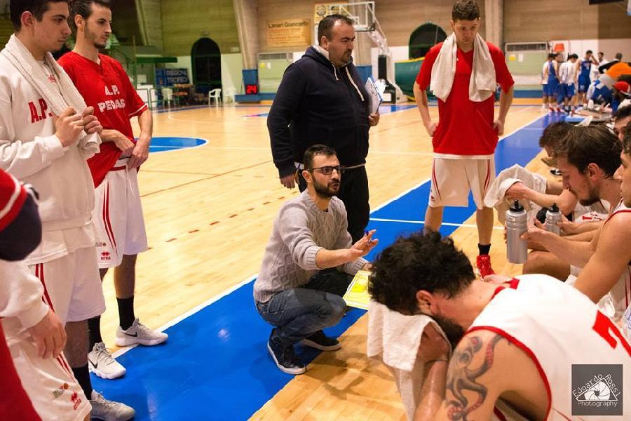 https://www.basketmarche.it/immagini_articoli/04-10-2018/coach-matteo-ionni-presenta-esordio-pallacanestro-pedaso-matelica-600.jpg