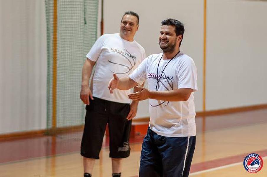 https://www.basketmarche.it/immagini_articoli/04-10-2018/virtus-assisi-derby-basket-todi-parole-coach-gianmarco-piazza-600.jpg