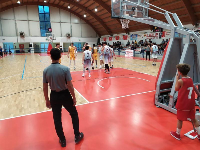 https://www.basketmarche.it/immagini_articoli/04-10-2019/acqualagna-carpegna-prosciutto-basket-pesaro-supera-rieti-amichevole-600.jpg