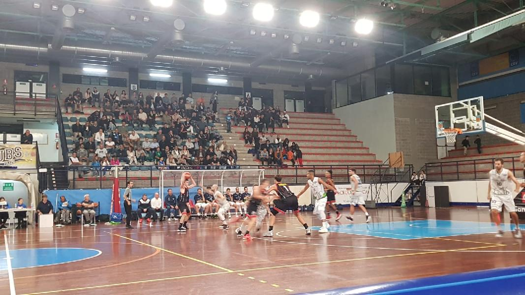 https://www.basketmarche.it/immagini_articoli/04-10-2019/anticipo-lucky-wind-foligno-vince-derby-perugia-basket-resta-imbattuta-600.jpg