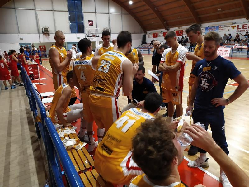 https://www.basketmarche.it/immagini_articoli/04-10-2019/pesaro-coach-perego-rieti-stato-test-utile-difesa-dobbiamo-migliorare-ancora-600.jpg