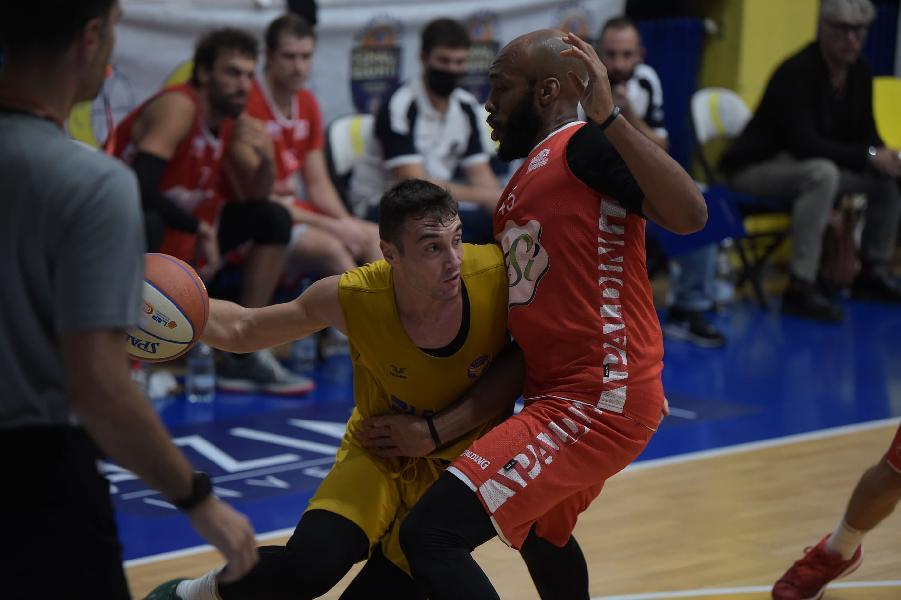 https://www.basketmarche.it/immagini_articoli/04-10-2020/basket-torino-vince-amichevole-oras-ravenna-600.jpg
