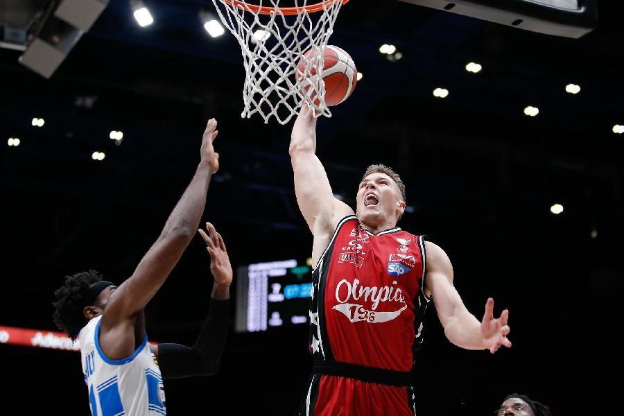 https://www.basketmarche.it/immagini_articoli/04-10-2020/netta-vittoria-olimpia-milano-longhi-treviso-super-leday-600.jpg