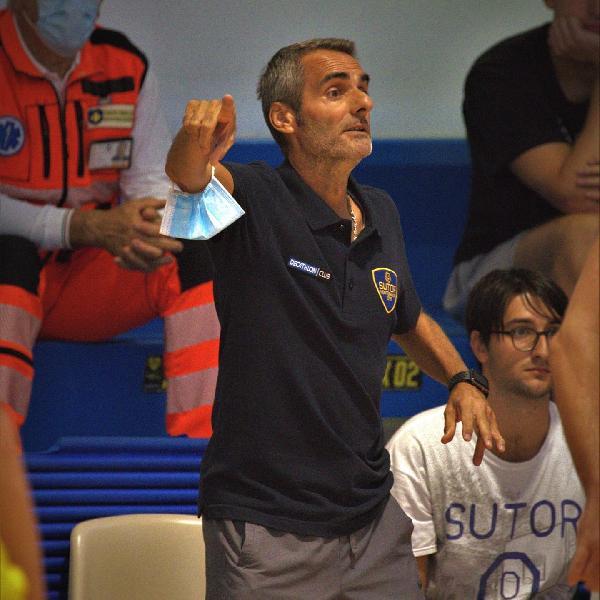 https://www.basketmarche.it/immagini_articoli/04-10-2021/sutor-montegranaro-coach-baldiraghi-arrivato-momento-lavorare-testa-bassa-600.jpg