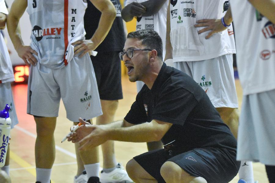 https://www.basketmarche.it/immagini_articoli/04-10-2021/vigor-matelica-coach-cecchini-contento-aver-giocato-gare-vere-stata-preseason-tribolata-600.jpg