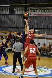 https://www.basketmarche.it/immagini_articoli/04-11-2017/promozione-c-i-bad-boys-fabriano-espugnano-matelica-con-la-tripla-di-mearelli-sulla-sirena-270.jpg