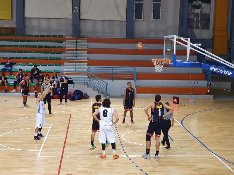 https://www.basketmarche.it/immagini_articoli/04-11-2019/perugia-basket-cade-scontro-diretto-falconara-coach-monacelli-600.jpg