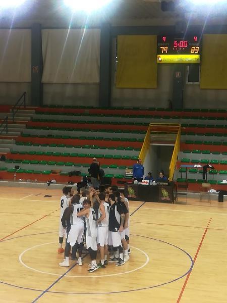 https://www.basketmarche.it/immagini_articoli/04-12-2019/falconara-basket-coach-reggiani-complimenti-miei-ragazzi-hanno-creduto-600.jpg