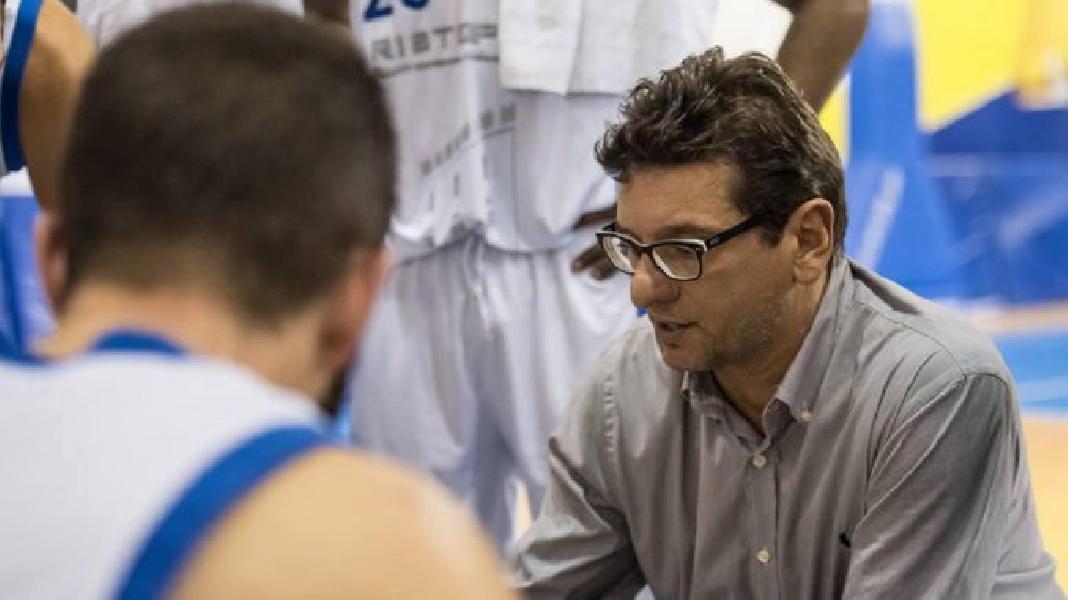 https://www.basketmarche.it/immagini_articoli/04-12-2019/ufficiale-janus-fabriano-alessandro-fantozzi-allenatore-virtus-cassino-600.jpg