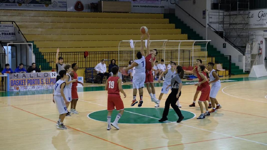 https://www.basketmarche.it/immagini_articoli/04-12-2019/under-silver-porto-sant-elpidio-basket-sconfitto-casa-pallacanestro-urbania-600.jpg