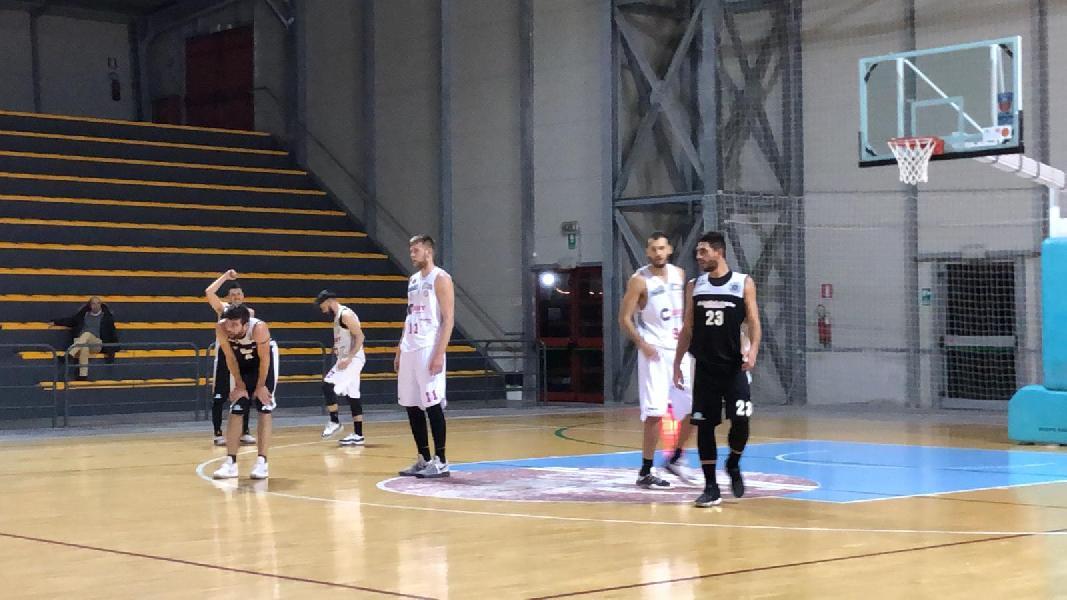 https://www.basketmarche.it/immagini_articoli/05-01-2019/robur-osimo-conquista-punti-campo-vigor-matelica-600.jpg