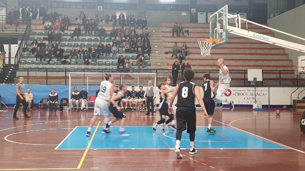https://www.basketmarche.it/immagini_articoli/05-01-2020/lucky-wind-foligno-doma-coriaceo-falconara-basket-600.jpg