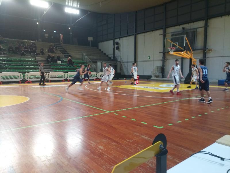https://www.basketmarche.it/immagini_articoli/05-01-2020/netta-vittoria-atomika-spoleto-basket-passignano-600.jpg